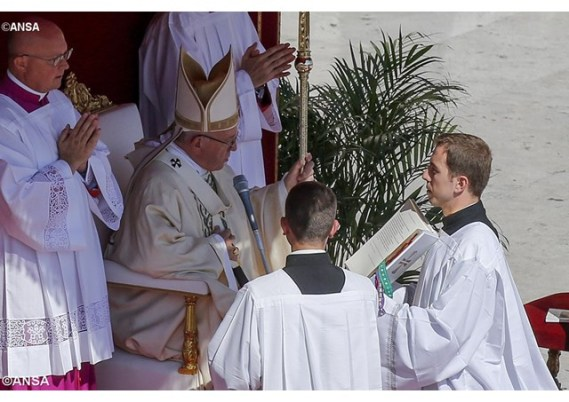 pope-francis-declares-mother-teresa-a-saint